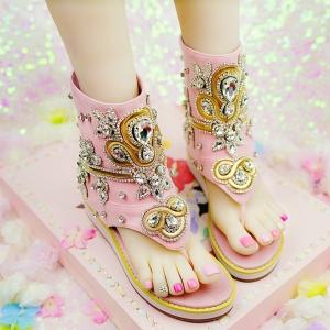 รองเท้าแตะคีบ พื้นหนา ทรงสูงหุ้มข้อ แฟชั่นหนังแท้ ดีไซส์สวย สีชมพูสไตล์สาวหวาน ประดับเพชรเพิ่มความหรูหรา ใส่ชิลล์ก็สวย ใส่เที่ยวก็ดูดี สวมใส่สบายด้วยซิปด้านหลัง