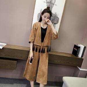 [มี2สี] ชุดเซต เสื้อทรงแขนบาน แต่งพู่สีดำ + กางเกงเอวยายืด กึ่งยาว ขาบาน สุดเก๋ เนื้อผ้าดี หนานุ่ม แฟชั่นสไตล์เกาหลี