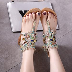 [มีหลายสี] รองเท้าแตะโรมัน แบบคีบ ส้นแบน แฟชั่นหนังแท้ผสมหนังpu แต่งเพชร ซิปด้านหลัง ทรงสวยใส่สบาย