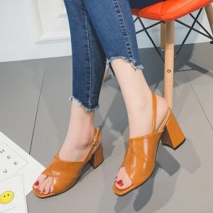 [มีหลายสี] รองเท้าหัวปลา ส้นสูง เปิดส้น สีพื้น แต่งเข็มขัดรัดข้อ ส้นสูง 2.5 นิ้ว ทรงสวยเรียบๆ ใส่เที่ยว ใส่ทำงาน ได้หมดค่ะ