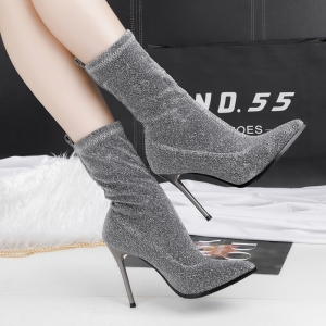 [มีหลายสี] รองเท้าบูทสั้นผู้หญิง หัวแหลมส้นสูง เซ็กซี่ไนน์คลับ วัสดุหนังpu+ผ้ายืด สวย ส้นสูง 4 นิ้ว