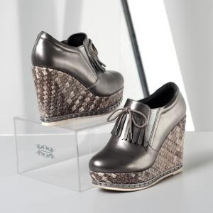 [มี2สี] รองเท้าส้นตึก แฟชั่นหนังแท้ ผสมหนังpu พื้นรองเท้าทรงสาน แต่งพู่ด้านหน้า ทรงสวยสไตล์เกาหลี สูง 4.5 นิ้ว