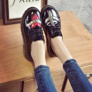 รองเท้าบูทสีดำ วินเทจ แฟชั่นหนัง pu ไม่หุ้มข้อ ส้นหนา 4 ซม.