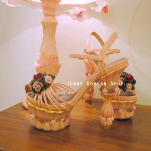 [มีหลายสี] รองเท้าส้นสูงแต่งรูปดอกกุหลาบสีหวาน สไตล์เจ้าหญิง มีสายรัดส้น