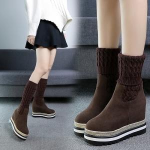 [มี2สี] รองเท้าบูทสั้นไหมพรมหนานุ่ม ผ้ายืด หนังนิ่ม ส้นปอ พื้นหนา เสริมส้นสูงด้านในสไตล์เกาหลี (ส้นสูง 4 นิ้วรวมด้านใน)