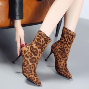 [มีหลายสี] รองเท้าบูทสั้นผู้หญิง หัวแหลมส้นสูง ทรงมาร์ติน วัสดุหนังpu นิ่ม ลายเสือดาว+สีส้ม+สีดำ สวย แฟชั่นสไตล์ยุโรป