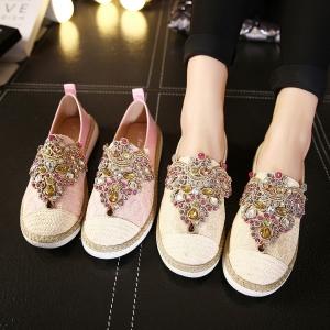 [มี2สี] รองเท้าผ้าใบลายลูกไม้ แต่งเพชร สวย เก๋ ด้านหน้าและด้านข้างเป็นงานถักปอ