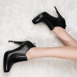 [มี2สี] รองเท้าบูทสั้น ส้นสูง วัสดุหนังแท้ ส้นเข็ม ซิปด้านหลัง แฟชั่นสไตล์ยุโรป ส้นสูง 4.5 นิ้ว