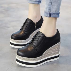 [มี2สี] รองเท้าพื้นหนา แบบสวม หนังไมโครไฟเบอร์ ร้อยเชือกด้านหน้า เสริมส้นสูงด้านใน ทรงสวยสไตล์เกาหลี