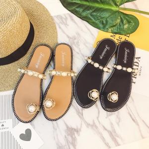 [มี2สี] รองเท้าแตะซัมเมอร์ ส้นแบน คีบนิ้วโป้ง ประดับเพชรสวยหรู แต่งมุกสีขาว สวย แถมดูแพง