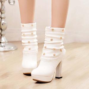 [มี2สี] รองเท้าบูทสั้นส้นสูงผู้หญิง หนังนิ่มทรงมาร์ติน สวยหวานสไตล์เกาหลี แพลตฟอร์มสูง 1 นิ้ว ส้นสูง 4 นิ้ว