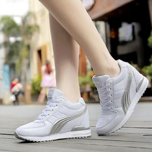 [มีหลายสี] รองเท้าหนัง pu คุณภาพสูง ลายตาข่าย ทรงสปอร์ต รุ่นไม่หุ้มข้อ เสริมส้นสูงด้านใน 5 ซม. สวย เท่ สไตล์เกาหลี