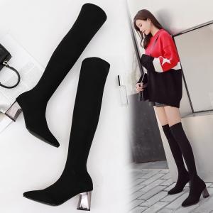 รองเท้าบูทยาวส้นสูง แฟชั่นผ้ายืด หัวแหลม สีดำ ทรงสวยสไตล์เกาหลี ส้นสูง 2.5 นิ้ว