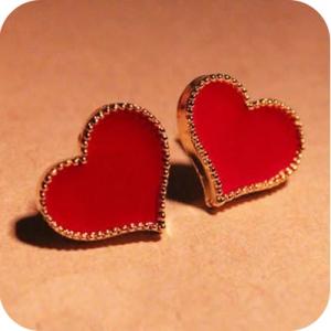 ต่างหูแฟชั่น หัวใจสีแดง