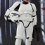 Hot Toys MMS304 STAR WARS: EPISODE IV A NEW HOPE LUKE SKYWALKER (STORMTROOPER DISGUISE VERSION) thumbnail 5
