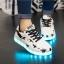 รองเท้ามีไฟ รองเท้า LED สีขาว มีลายรูปดาวสีดำ เปลี่ยนสีได้ 11 สี สินค้าพรีออเดอร์ thumbnail 12