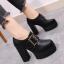 รองเท้าบูทผู้หญิง ส้นสูง หนังpu สีดำ แต่งหัวเข็มขัด สวย สไตล์อังกฤษย้อนยุค แพลตฟอร์มสูง 2.5 นิ้ว / ส้นสูง 4.5 นิ้ว thumbnail 1