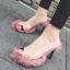 [มีหลายสี] รองเท้าส้นสูง แฟชั่นหนัง pu คีบนิ้วโป้ง คาดหน้าพลาสติกใส พื้นขนเฟอร์ ส้นสูง 3 นิ้ว thumbnail 1