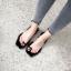 [มีหลายสี] รองเท้าแตะแฟชั่น ส้นเตี้ย หน้าคาดพลาสติกใส คีบนิ้วโป้ง พื้นแต่งขนเฟอร์ thumbnail 4