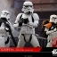 Hot Toys MMS394 ROGUE ONE: A STAR WARS STORY - STORMTROOPER SET thumbnail 9