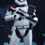 Hot Toys MMS335 STAR WARS: THE FORCE AWAKENS - FIRST ORDER STORMTROOPER OFFICER & STORMTROOPER SET thumbnail 9