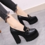 รองเท้าบูทผู้หญิงส้นสูง หนังpu สีดำ แต่งอะไหล่ สวย แฟชั่นสไตล์อังกฤษย้อนยุค แพลตฟอร์มสูง 2.5 นิ้ว / ส้นสูง 4.5 นิ้ว thumbnail 1