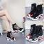 [มี2รุ่น] รองเท้าผ้าใบเสริมส้นตาข่าย สีดำ แฟชั่นหนัง pu นิ่ม หุ้มข้อ สวยสไตล์เกาหลี ส้นสูง 4 นิ้ว thumbnail 2