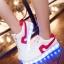รองเท้ามีไฟ รองเท้า LED สีขาว มีแถบสีแดง เปลี่ยนสีได้ 11 สี สินค้าพรีออเดอร์ thumbnail 1