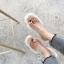 [มีหลายสี] รองเท้าแตะแฟชั่น ส้นเตี้ย หน้าคาดพลาสติกใส คีบนิ้วโป้ง พื้นแต่งขนเฟอร์ thumbnail 2