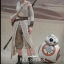 Hot Toys MMS337 STAR WARS: THE FORCE AWAKENS - REY AND BB-8 thumbnail 6