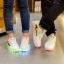 รองเท้ามีไฟ รองเท้า LED สีขาว มีแถบสีเหลืองดำ เปลี่ยนสีได้ 11 สี สินค้าพรีออเดอร์ thumbnail 10