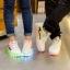 รองเท้ามีไฟ รองเท้า LED สีขาว มีแถบสีแดงดำ เปลี่ยนสีได้ 11 สี สินค้าพรีออเดอร์ thumbnail 3