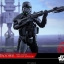 Hot Toys MMS399 ROGUE ONE: A STAR WARS STORY - DEATH TROOPER SPECIALIST (DELUXE VERSION) thumbnail 7