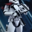 Hot Toys MMS335 STAR WARS: THE FORCE AWAKENS - FIRST ORDER STORMTROOPER OFFICER & STORMTROOPER SET thumbnail 8