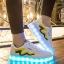 รองเท้ามีไฟ รองเท้า LED สีขาว มีแถบสีเหลืองดำ เปลี่ยนสีได้ 11 สี สินค้าพรีออเดอร์ thumbnail 3