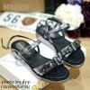 พร้อมส่ง : รองเท้าแตะเสริมส้น MIUMIU (สีดำ)