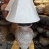 โคมไฟตั้งโต๊ะ ทำจากแจกันดินเผาด่านเกวียน ลายดอกไม้ สีโคลนน้ำตาล-แดง