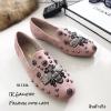 รองเท้าคัทชูทรงสวมปักลายผึ้ง Style Gucci (สีชมพู)