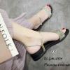 รองเท้าแตะริสตัลสไตล์แฟชั่นเกาหลี (สีทอง)