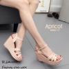 รองเท้าส้นเตารีดหนังเงาสไตล์ YSL (สีครีม)