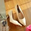 รองเท้าคัทชู Zara ส้นทอง (สีครีม)