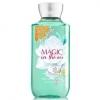 **พร้อมส่ง**Bath & Body Works Magic in the Air Shower Gel 236ml. เจลอาบน้ำกลิ่นหอมติดกายนานตลอดวัน เนื้อเจลเข้มข้นบำรุงผิวให้รู้สึกชุ่มชื่นตั้งแต่ครั้งแรกที่ใช้เลยค่ะ กลิ่นหอมของดอกลิลลี่วนิลลา โทนดอกไม้หอมนุ่มๆค่ะ ,