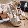 พร้อมส่ง : รองเท้าส้นเข็ม YSL รุ่น Tribute (สีทอง)