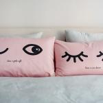 ปลอกหมอนหนุนคู่ Eyes - Pink