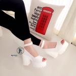 รองเท้าคัทชูส้นตึก (สีขาว)