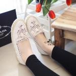 รองเท้าผ้าใบลูกไม้สไตล์ Lolita