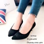 รองเท้าคัทชูปักลายดอกไม้ (สีดำ)