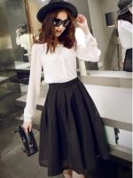 กระโปรงยาวแฟชั่นสีดำ ผ้าโพลีเอสเตอร์ ใส่กับเสื้อเชิ้ต ก็สวยอินเทรนด์