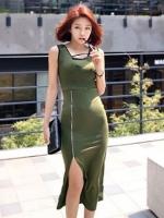 ชุดเดรสยาวสีเขียว แขนกุด คอกลม ผ้ายืด เข้ารูป ผ่าด้านหน้าเย็บซิปเก๋ๆ