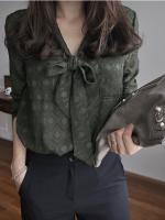 เสื้อแฟชั่นผู้หญิงสีเขียว คอแต่งโบว์ กระเป๋าหน้า 4-C0996-เขียว